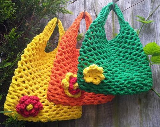 Bolso de rejilla a trapillo for Bolso crochet trapillo